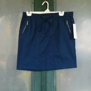 Short Sporty Skirt with Zip Pockets